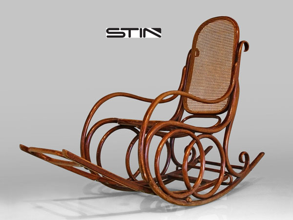 Get a Luxurious Support for Yourself with This Rocking Chair